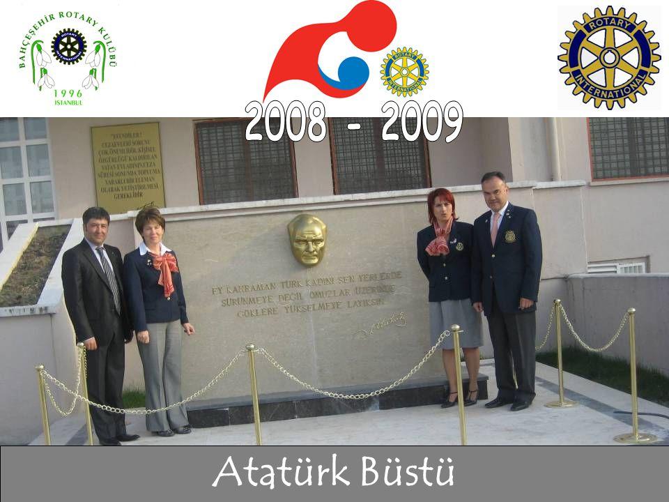 Atatürk Büstü