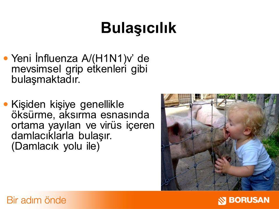 Yeni İnfluenza A/(H1N1)v' de mevsimsel grip etkenleri gibi bulaşmaktadır. Kişiden kişiye genellikle öksürme, aksırma esnasında ortama yayılan ve virüs