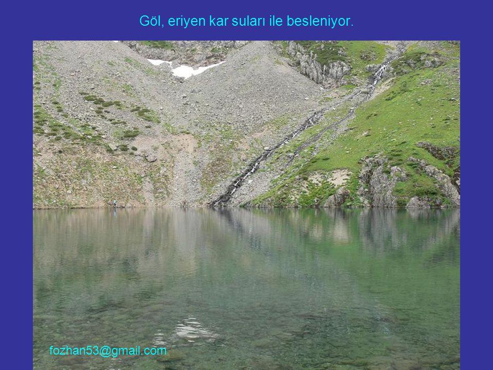 Göl, eriyen kar suları ile besleniyor. fozhan53@gmail.com