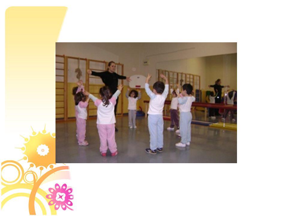 Tanışma ve serbest dans yapıldı.4 zamanlı ritm çalışması ve sağ sol kol çalışması yapıldı.