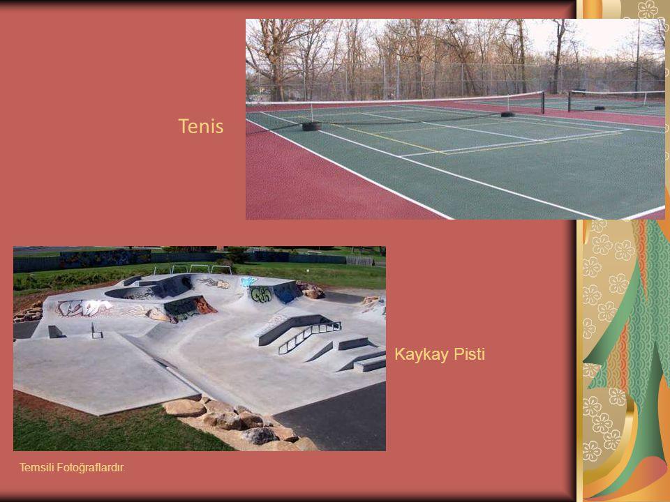 Tenis Kaykay Pisti Temsili Fotoğraflardır.
