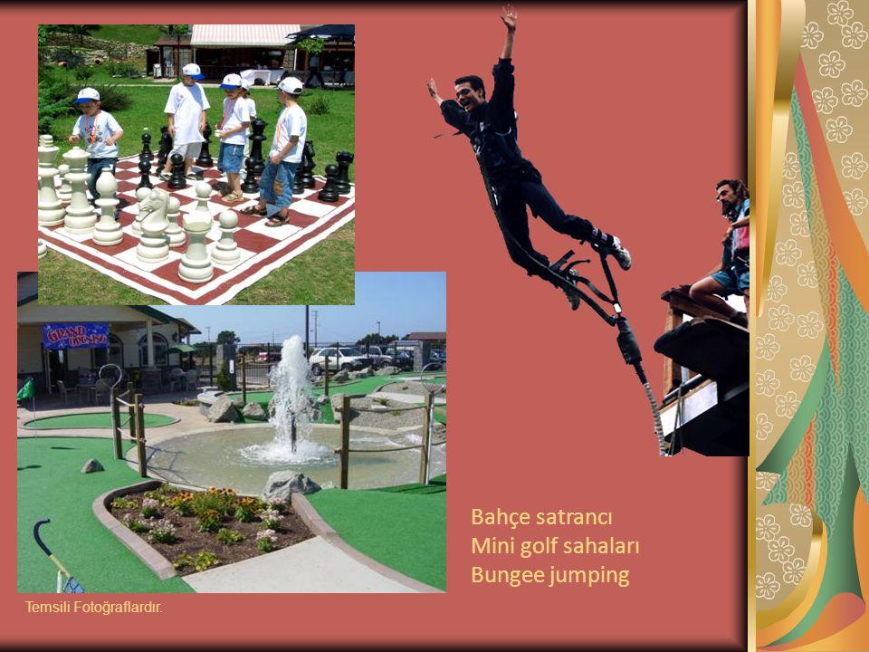Bahçe satrancı Mini golf sahaları Bungee jumping Temsili Fotoğraflardır.