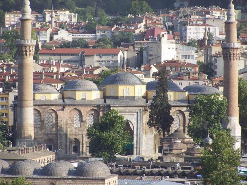 Bursa Ulu Camiye yolu düşenler, büyük bir manevi huzur duyarlar.