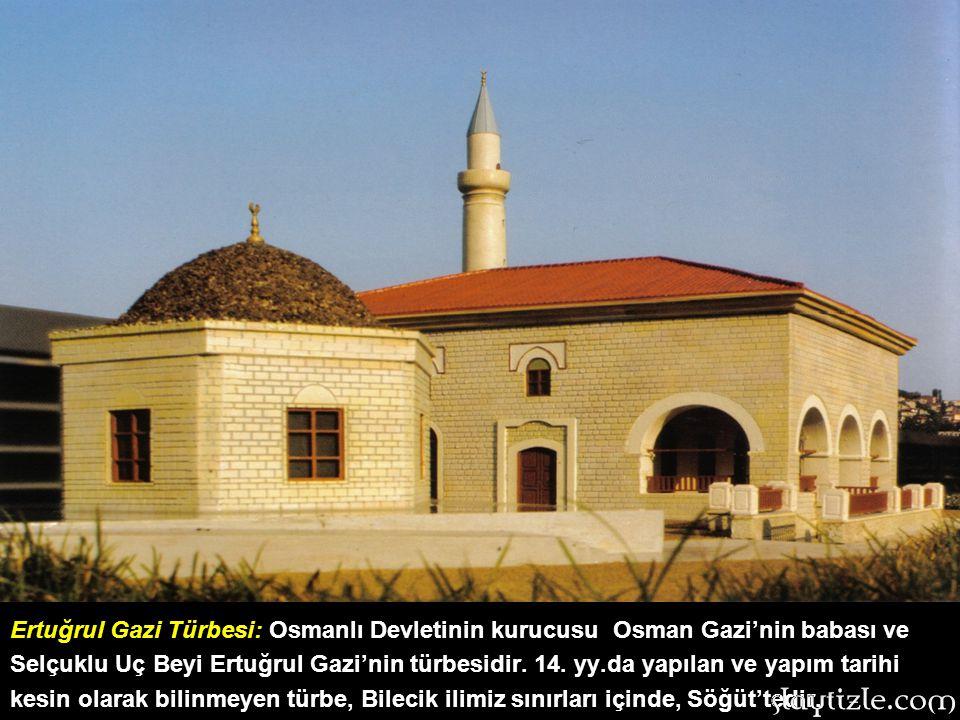 TAŞ KÖPRÜ: Adana, Seyhan Nehri üzerindedir. Seyhan köprüsü adıyla da bilinmektedir. 2. yy.da Roma imparatoru Hadrianus tarafından yapılmıştır. Harun R