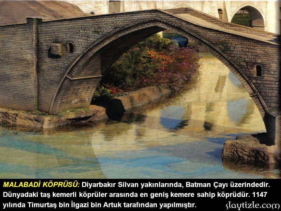 ANITKABİR: Ankara'da bulunan eserin inşası 1944-1953 yılları arasında 9 yılda tamamlanmıştır. M. Kemal Atatürk'e Türk milletinin şükran duygularının b