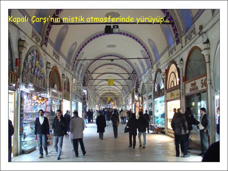 Siz hiç Ortaköy'de Pazar sabahı kahvaltı yapıp çay içtiniz mi Ortaköy Caminin altında ? Tekne turuna çıkıp; boncuk, takı satanlardan alışveriş yapıp,