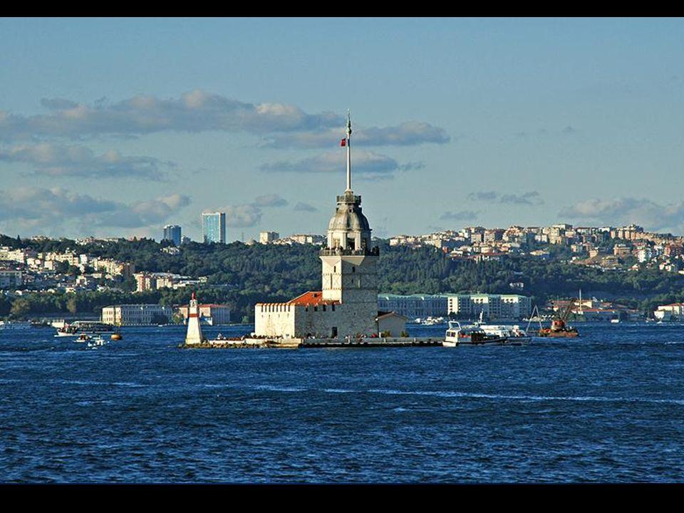 HAYDİ İSTANBUL'U GEZELİM BENİM GÖZLERİMDEN ! Önce Salacak'ta Kız Kulesi eşliğinde gün batımı seyredelim.