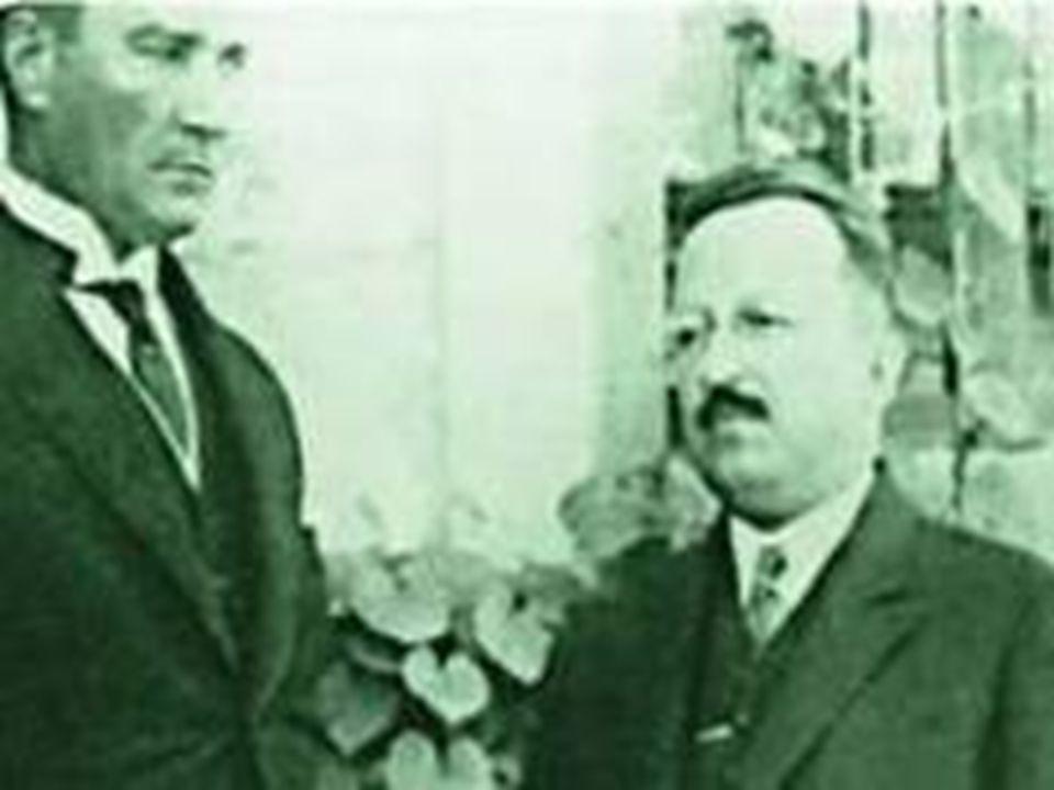 1933 Üniversite Reformu  İstanbul Darülfünunu olarak bilinen yapılandırmayı sonlandıran bu girişim, Türkiye'deki yüksek öğretim standartlarının yeniden yapılandırılmasını amaçlamıştır.