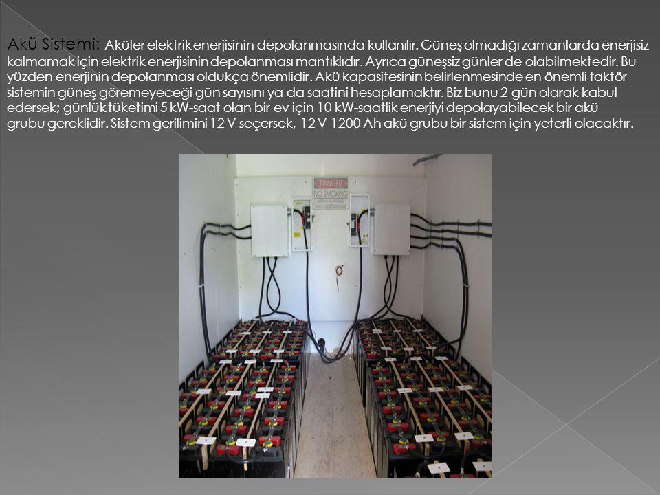 Akü Sistemi: Aküler elektrik enerjisinin depolanmasında kullanılır. Güneş olmadığı zamanlarda enerjisiz kalmamak için elektrik enerjisinin depolanması
