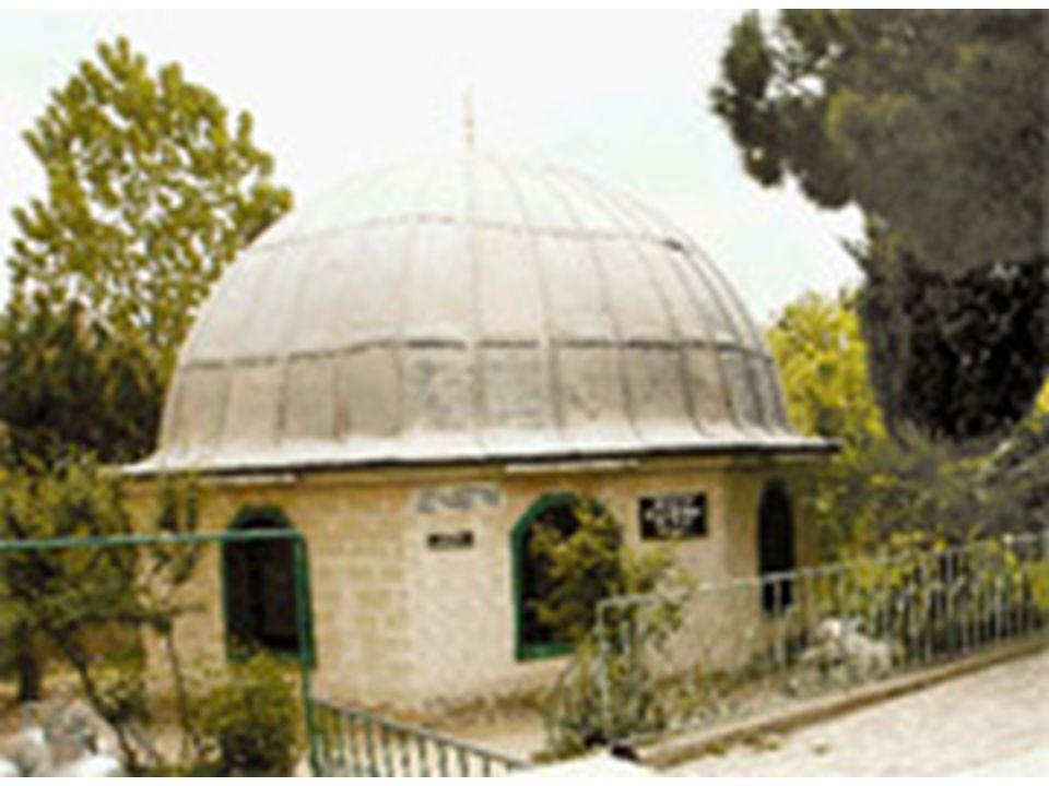 TBMM Atatürk'e yaptığı hizmetler karşılığı ATATÜRK soyadı verildi… İsmet Paşa'ya İnönü'de aldığı zaferlerden dolayı İNÖNÜ soyadı verildi..