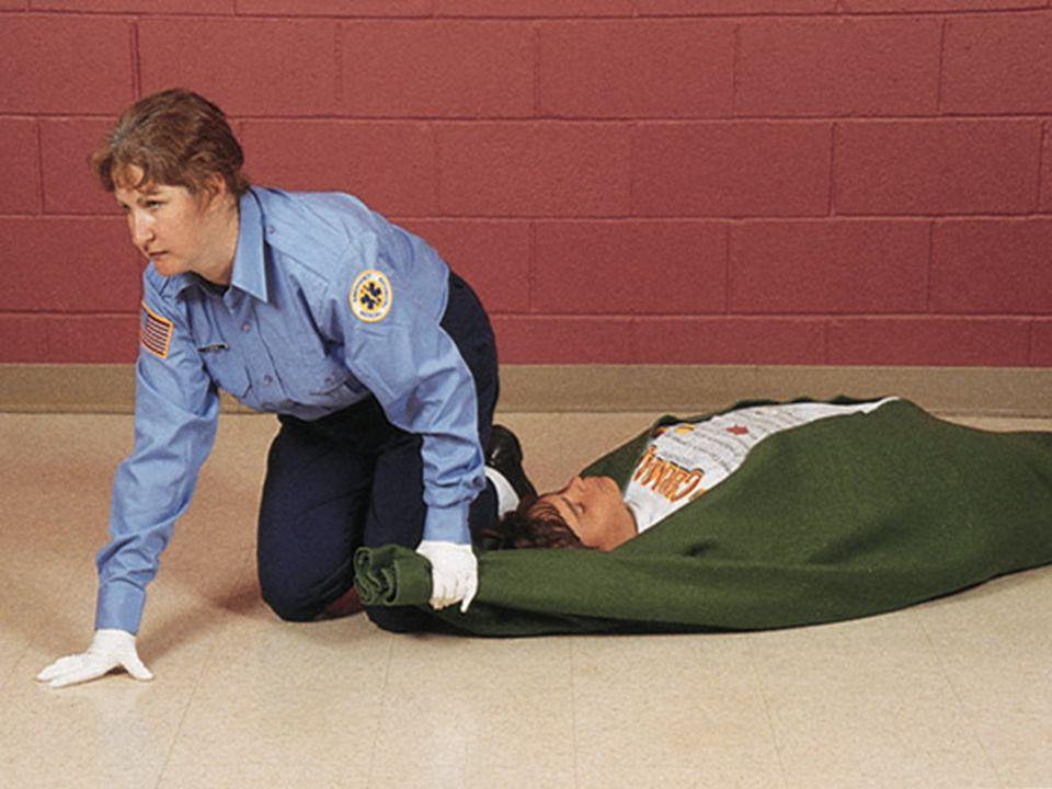 Araç İçindeki Yaralıyı Taşıma Yöntemi (RENTEK) DİKKAT: Araç içindeki yaralıyı (Rentek Manevrası) taşıma; kaza geçirmiş yaralı bir kişiyi eğer bir tehlike söz konusu ise omuriliğe zarar vermeden çıkarmada kullanılır.