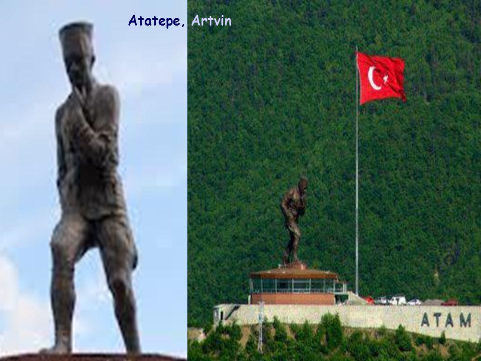 3 Ekim 1926, Sarayburnu, İstanbul (sağlığında dikilen ilk heykel)