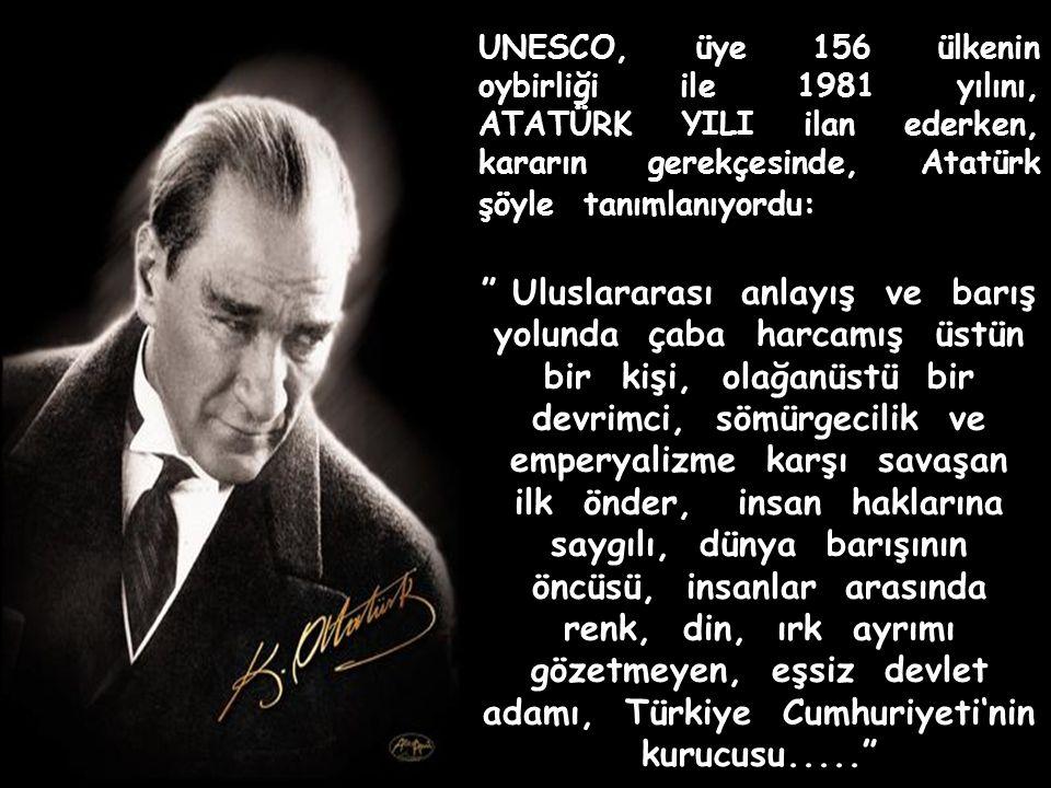 1923 yılında, Cumhuriyet ilan edilmeden önce, Atatürk'ü kapak yapan Time Dergisi, kalpaklı mareşal üniformalı fotoğrafının altına şunları yazmıştı: Mustafa Kemal Paşa Bir Türk nerede kendi kendisinin efendisidir.