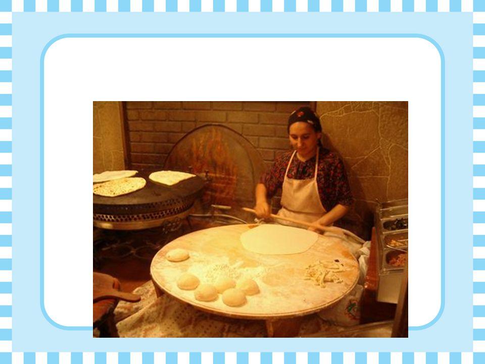 Gözleme  ıspanaklı = with spinach kaşar peynirli = with yellow cow's milk cheese katmer = plain kıymalı = with ground lamb patatesli = with mashed po