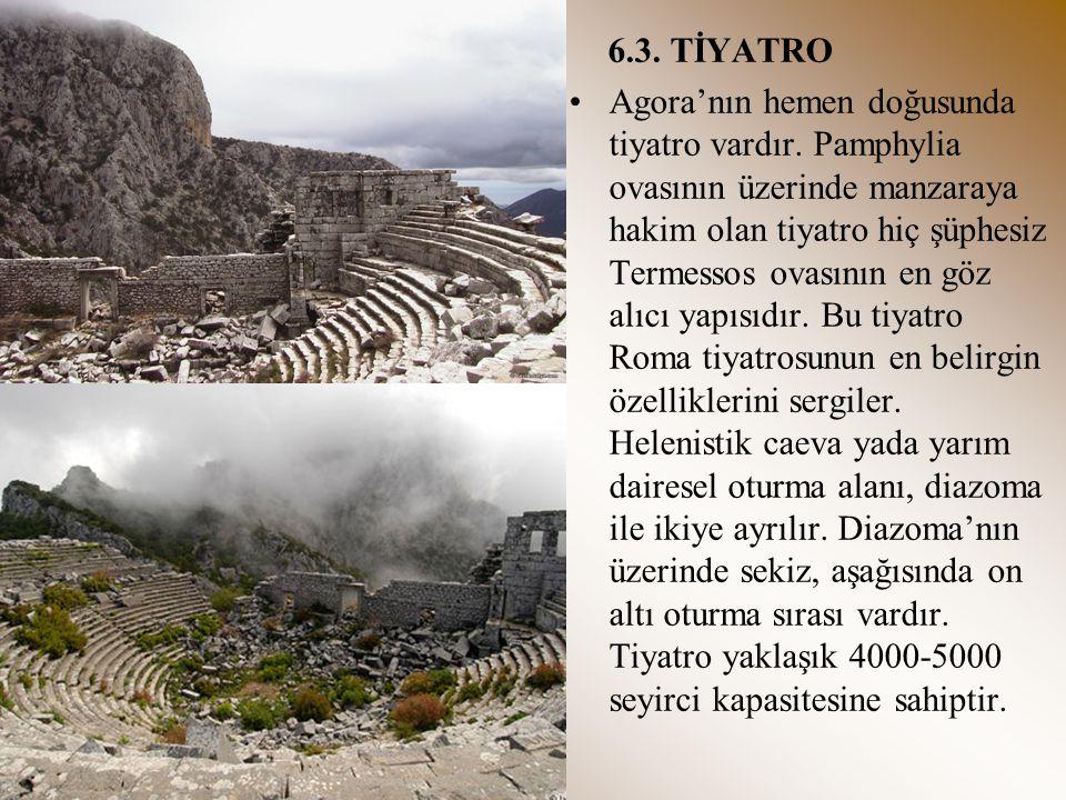 6.3. TİYATRO Agora'nın hemen doğusunda tiyatro vardır. Pamphylia ovasının üzerinde manzaraya hakim olan tiyatro hiç şüphesiz Termessos ovasının en göz