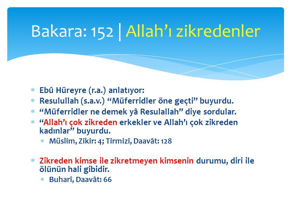 """ Ebû Hüreyre (r.a.) anlatıyor:  Resulullah (s.a.v.) """"Müferridler öne geçti"""" buyurdu.  """"Müferridler ne demek yâ Resulallah"""" diye sordular.  """"Allah'"""