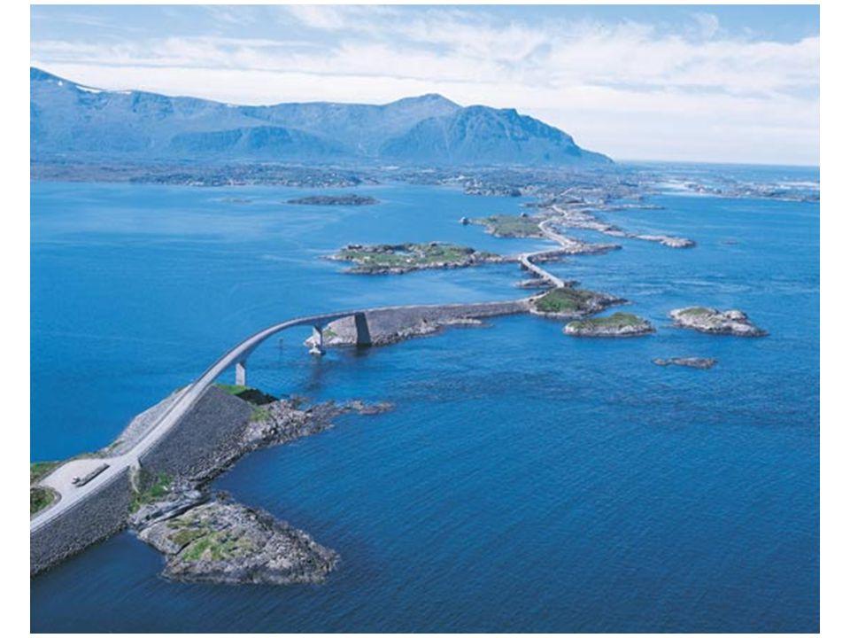 Yol üzerindeki en önemli mihenk taşı köprülerin en uzunu olan ve çok sert bir dönüş yapan (260 metrelik) Storseisundet köprüsüdür.