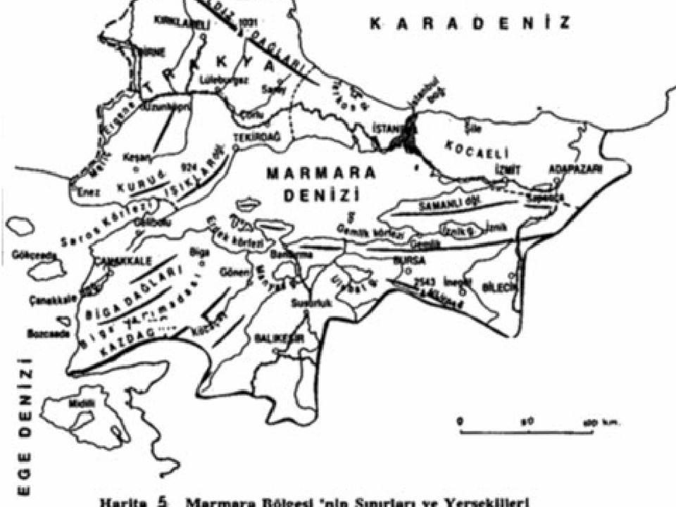 BÖLGEMİZİN YERYÜZÜ ŞEKİLLERİ Bölgemizin üç denizle sınırı vardır.Bölgemizin doğusunda Kara Deniz,Batısında Ege Denizi ve adını aldığı Marmara Denizi.