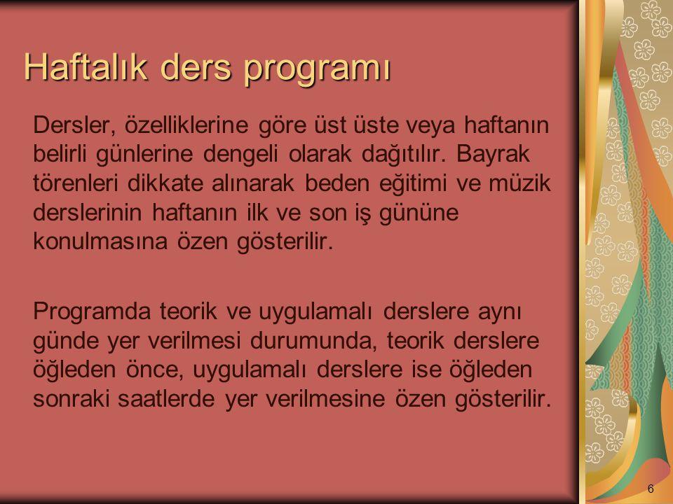 Resmî tatil günleri (2) Hafta sonu, yarıyıl ve yaz tatili dışında okulların resmî tatil günleri şunlardır: a) Cumhuriyet Bayramı (28 Ekim günü saat 13.00 te başlar, 29 Ekim günü tören yapılır ve akşamı sona erer).