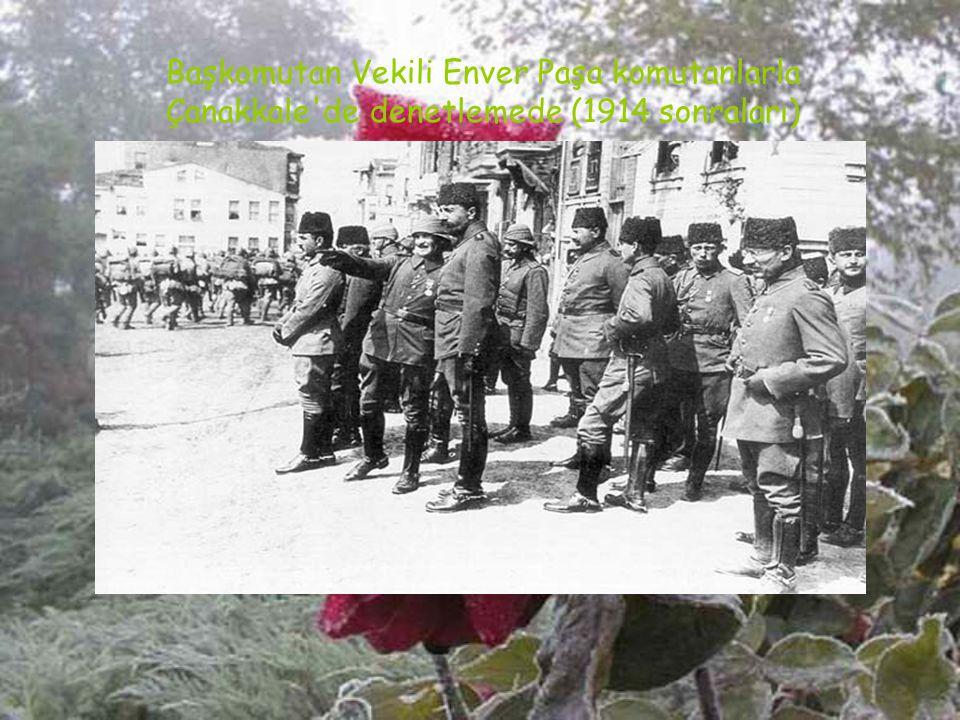 Çanakkale'deki Türk birliklerinden 3. Kolordu ve Kuzey Grubunun komutanı Tuğg. Esat (Bülkat) Paşa Gelibolu Yarımadası'ndaki karargahında (1915)