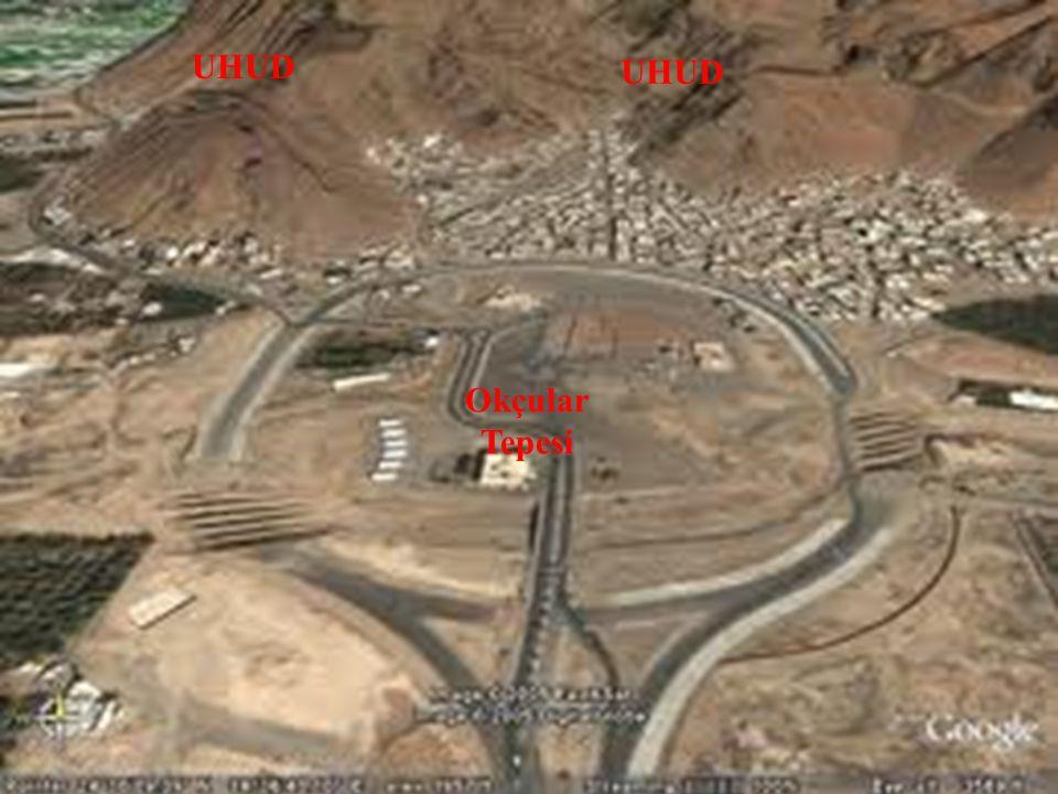 UHUD Okçular Tepesi İslam Ordusu Müşrik Ordusu Düşman atlılarının arkadan kuşatması Halid b. Velid