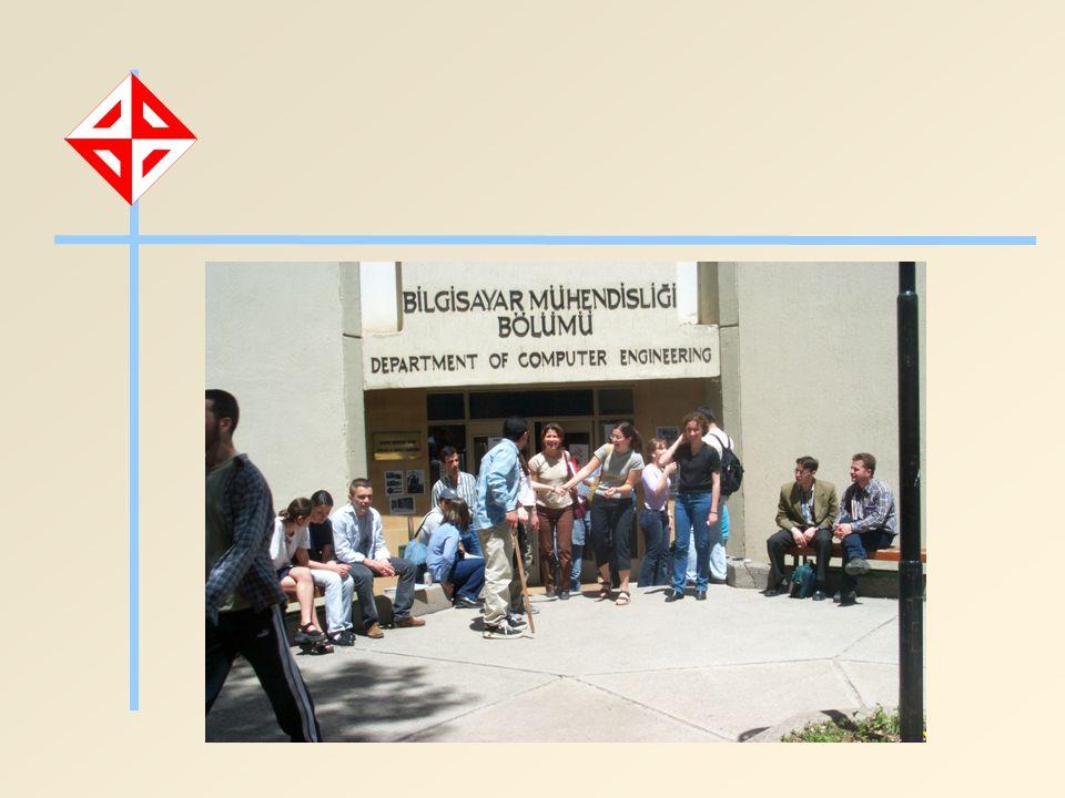 Tarihçe Türkiye nin ilk Bilgisayar Mühendisliği Bölümü 1967: Kuruluş; Elektronik Hesap Bilimleri Enstitüsü, Yüksek Lisans Programı 1976: Lisans eğitimi Bugüne kadar 1600 ün üzerinde lisans, 300 ün üzerinde yüksek lisans ve 25 doktora mezunu vermiştir.