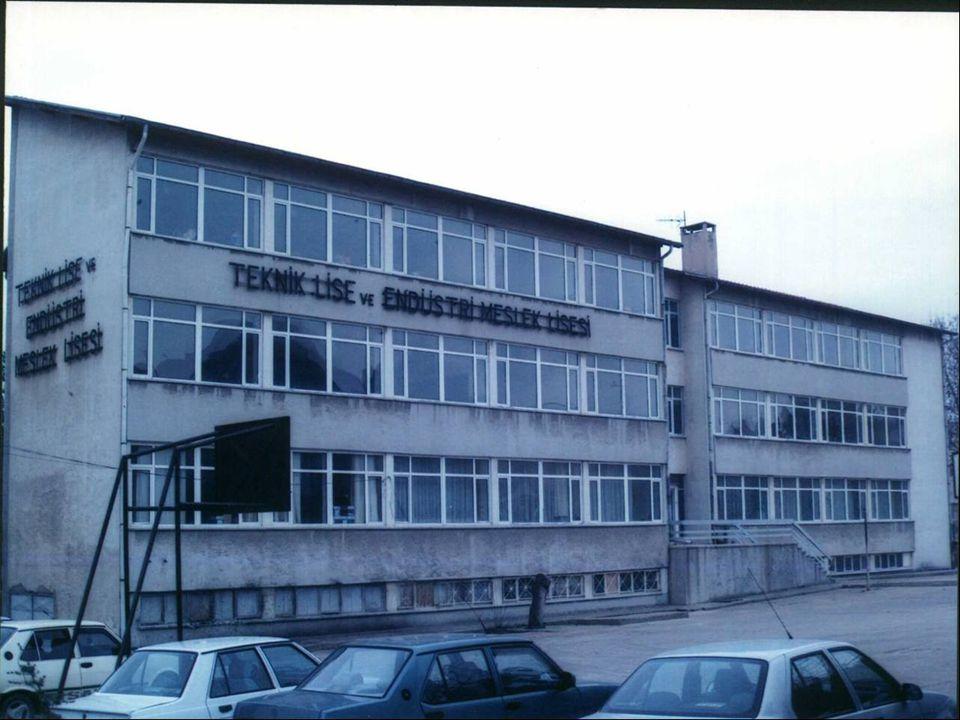 1985/1986 Eğitim ve Öğretim yılında Teknik Lisemizde Elektrik bölümü de açılarak,Teknik Lise bölümlerimizin sayısı ikiye çıkartılmış ve daha geniş bir öğrenci kitlesine hitap edilmiştir.