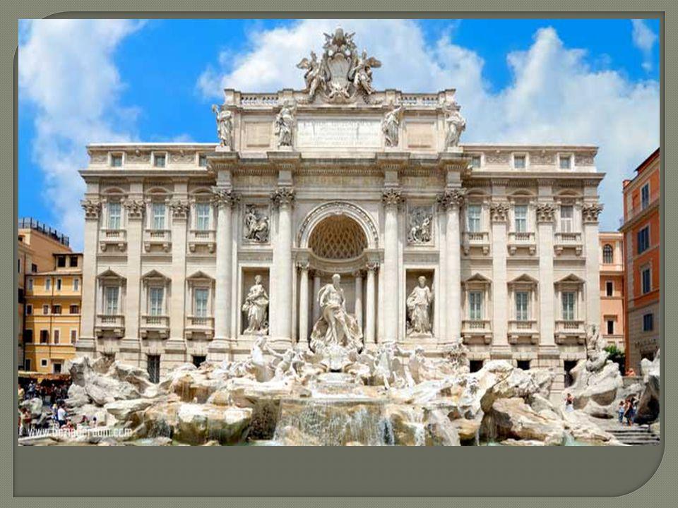 Piazza Venezia, Roma'nın geometrik merkezinde yer alan bir meydandır.