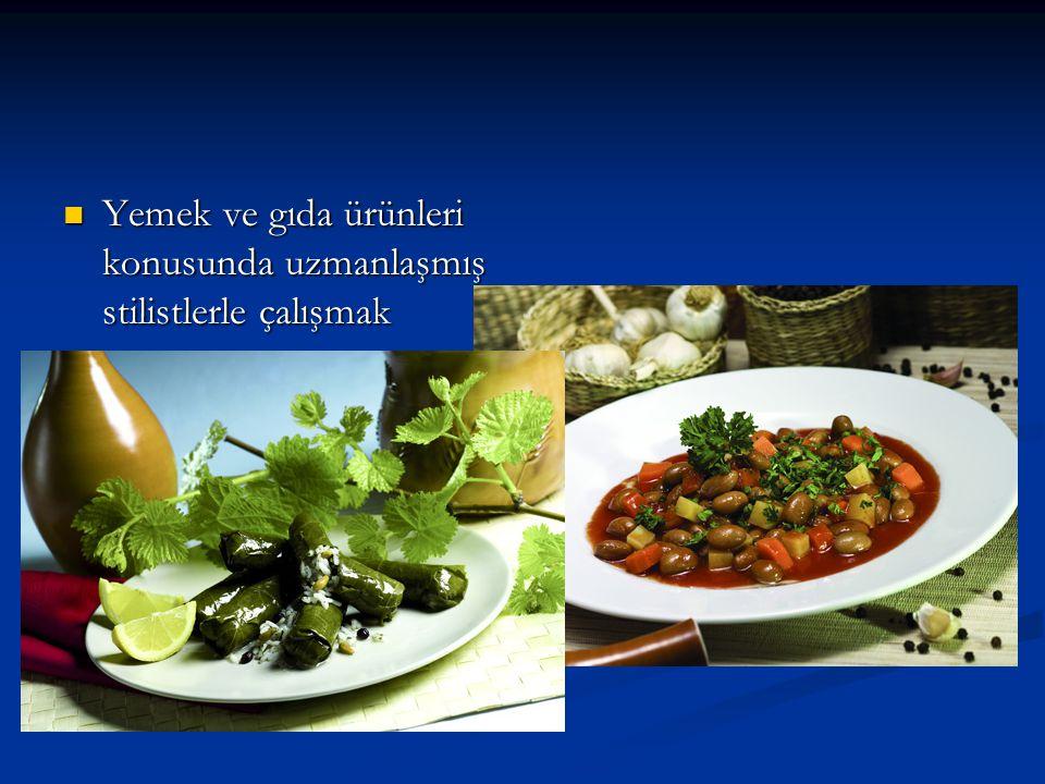 Yemek ve gıda ürünleri konusunda uzmanlaşmış stilistlerle çalışmak Yemek ve gıda ürünleri konusunda uzmanlaşmış stilistlerle çalışmak