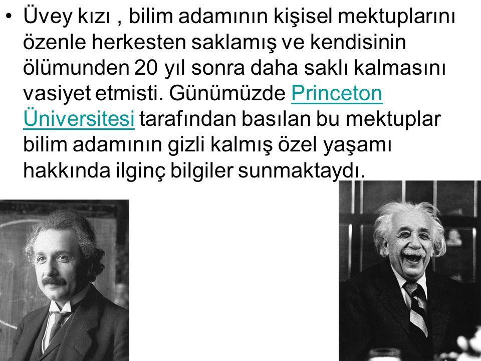 Buluşları Einstein ın gazetecilere dil çıkarması İsrail Parası ve Einstein Einstein 14 Yaşında, 1893 Einstein ın fizik alanındaki çalışmaları modern bilimi büyük ölçüde etkiledi.fizik Bu teori üç bölüme ayrılır: Newton mekaniğinin yasalarını değiştiren ve kütle ile enerjinin eşdeğerli olduğunu öne süren Özel Görelilik (1905);Özel Görelilik Eğrisel ve sonlu olarak düşünülen dört boyutlu bir evrene ait çekim teorisini veren Genel Görelilik (1916);Genel Görelilik Elektro-manyetizma ve yerçekimini aynı alanda birleştiren daha geniş kapsamlı teori denemeleri.