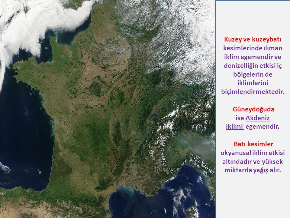 Kuzey ve kuzeybatı kesimlerinde ılıman iklim egemendir ve denizelliğin etkisi iç bölgelerin de iklimlerini biçimlendirmektedir. Güneydoğuda ise Akdeni