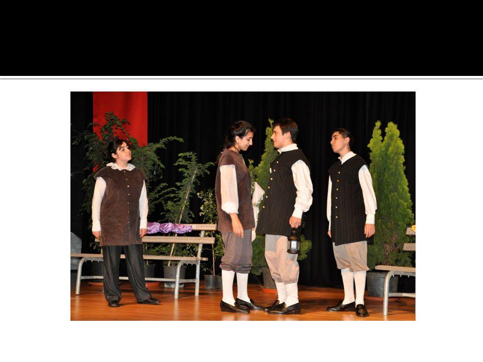  Tiyatro kulübünü seçen öğrenciler, daha sonra tiyatro öğretmenimiz tarafından belirlenecek oyuna göre seçmeye tabii tutulurlar.