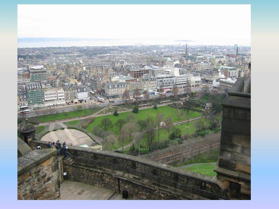 Din,Konuşulan Diller ve Nüfus İskoç kilisesi,16.yy reformundan beri Protestan ve 17.yy sonlarından beri de Presbiteryan'dır.