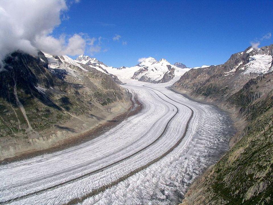  Ana kayanın buzullar tarafından işlenmesi sonucunda oluşan kaya tepeleridir.Devenin hörgücüne benzediği için bu adı almıştır