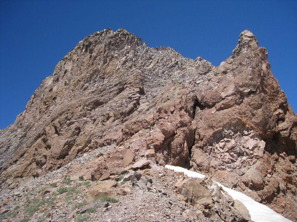  Dağ yamaçlarındaki bazı buzulların, bulundukları alanı aşındırmasıyla oluşan çanaklardır.