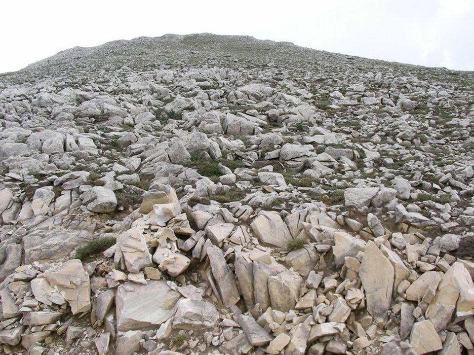  Buzulların taşıyıp biriktirdiği materyallerin, buzulun alt kısmındaki erimeler sonucu meydana gelen dereler tarafından işlenmesiyle oluşan birikintilerdir.