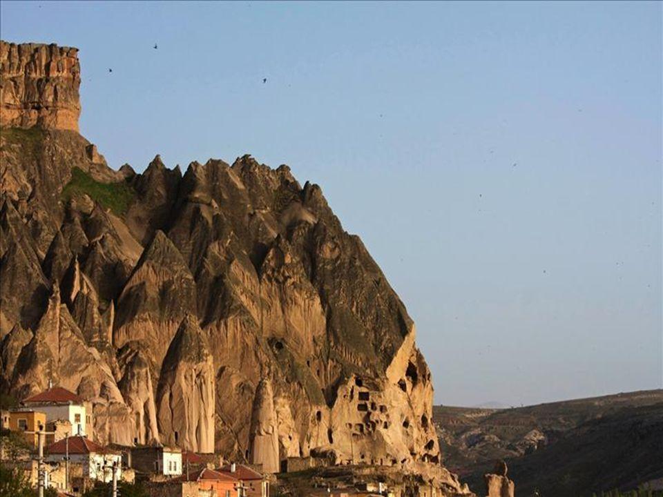 Kapadokya bölgesi, doğa ve tarihin bütünleştiği bir yerdir.