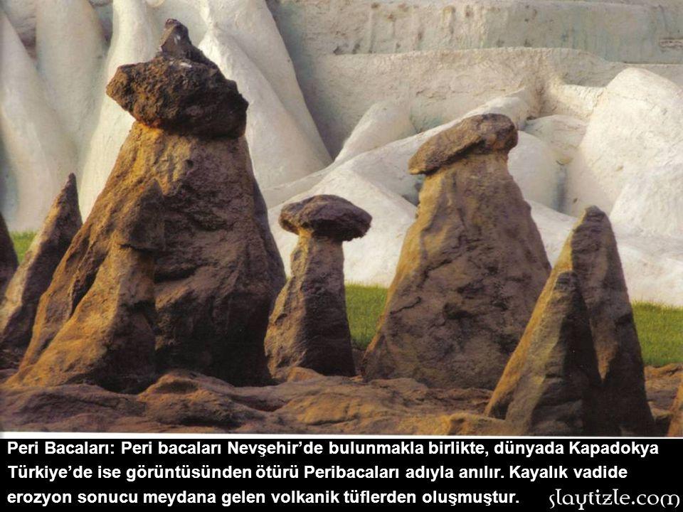 Divriği Ulu Camii: 1229 yılında inşa edilen eser Sivas'tadır. Mengücoğlu Sultanı Ahmet Şah tarafından yaptırılan eserin mimarı Ahlatlı Hürremşah'tır.