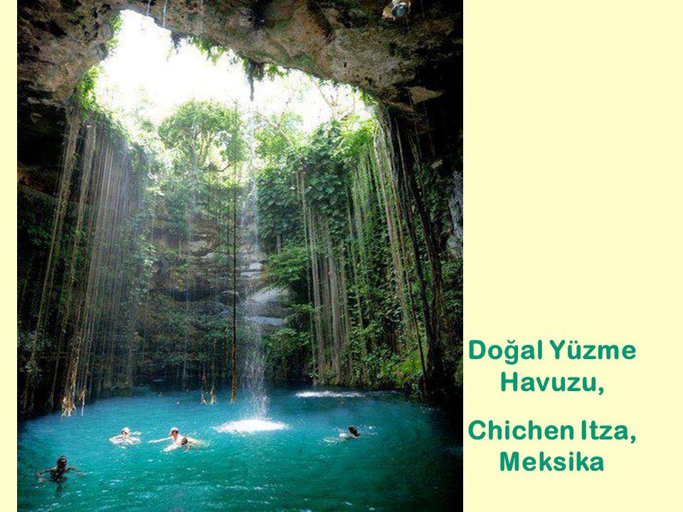 Do ğ al Yüzme Havuzu, Chichen Itza, Meksika