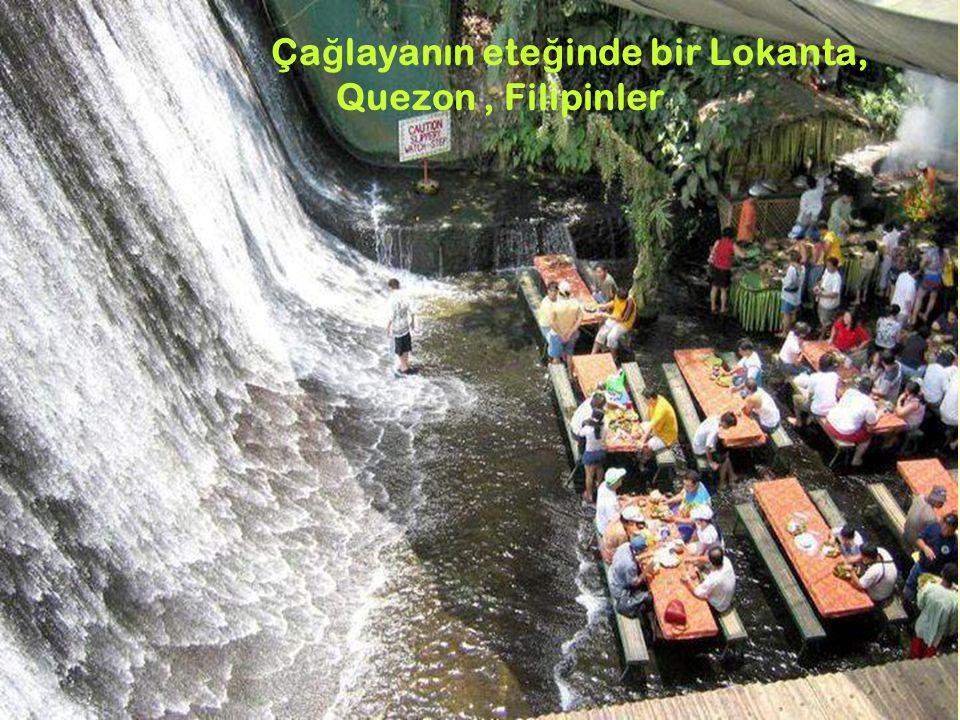 6 Ça ğ layanın ete ğ inde bir Lokanta, Quezon, Filipinler