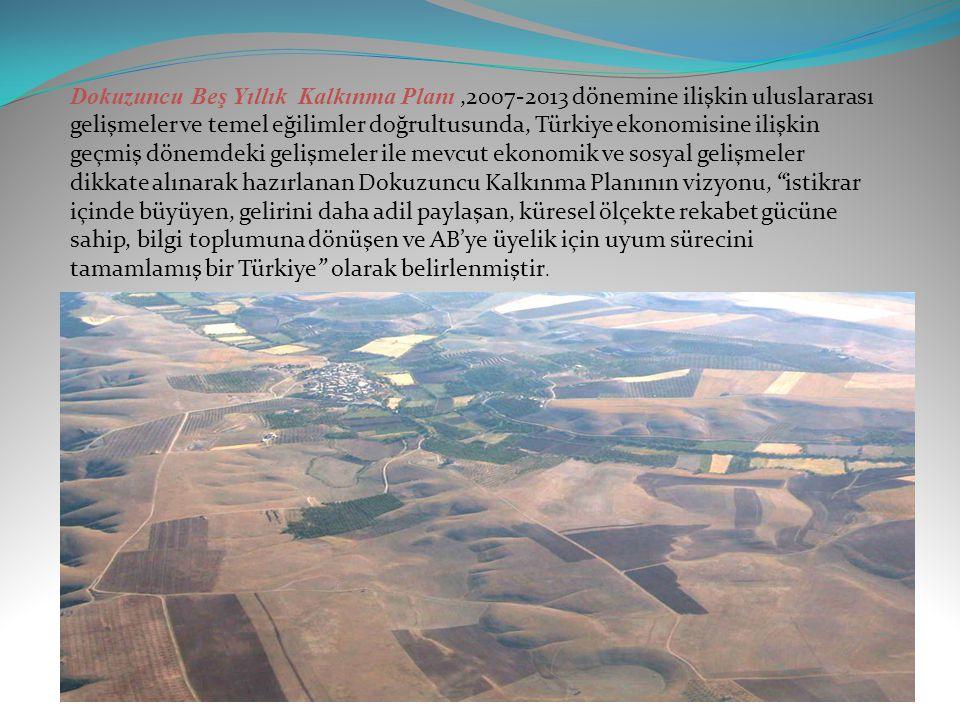 YAPILAN KALKINMA PLANLARI Güneydoğu Anadolu projesi içinde yer alan ve ilk aşamada sulamaya açılması planlanan 144.000 ha'lık Urfa-Harran sulamasının 44000 ha'lık bölümünde toplulaştırmaya yer verilmediği takdirde, yedek kanal, kanalet ve servis yollarından oluşan tesislerin parsel sınırlarını takip etmesi nedeniyle uzunluğunun toplulaştırmalı koşullara kıyasla % 25-30 bir artış göstereceği saptanmış ve projenin toplam yatırım bedelinin yaklaşık 61 milyar lira olacağı hesaplanmıştır.