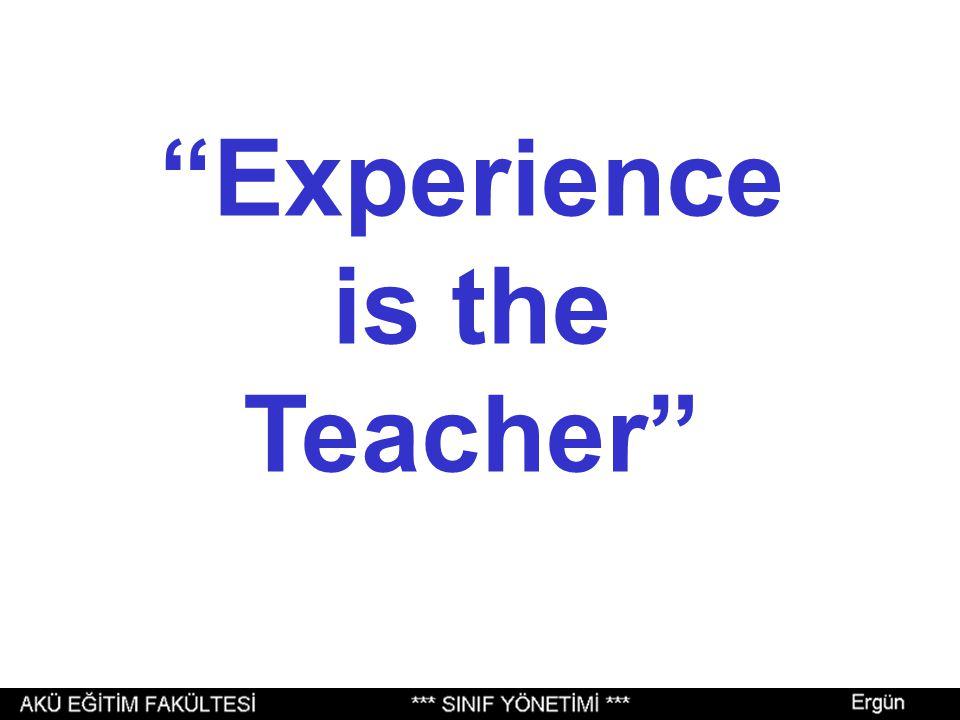 """Sizin gözünüzde, """"saygın bir öğretmen""""in esas özellikleri nelerdir?"""