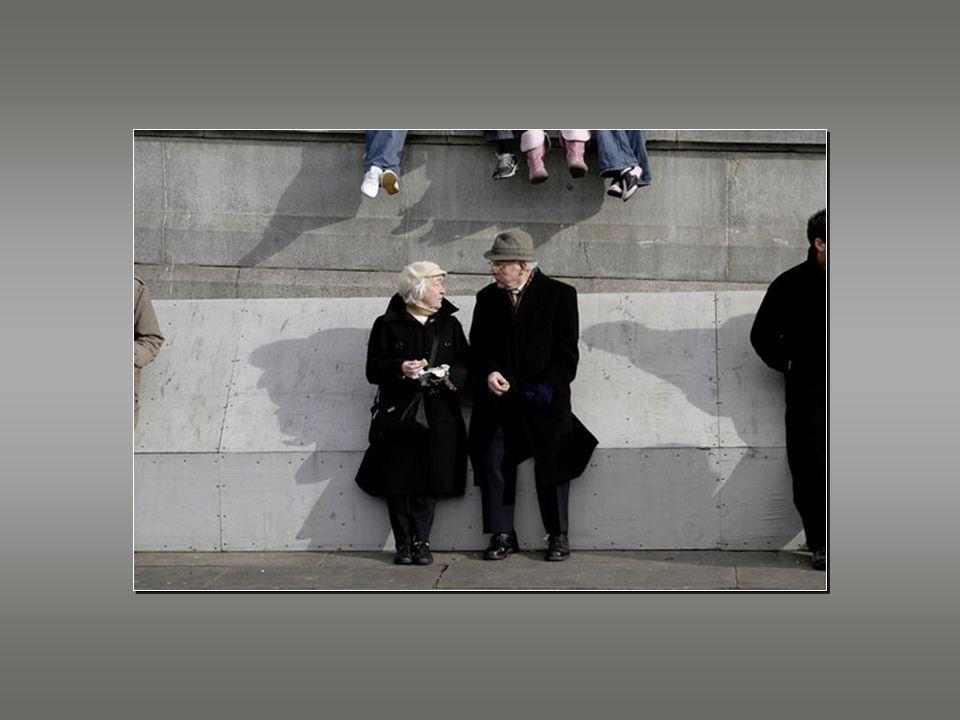 İnsanlara, aşık olmaktan vazgeçtikleri için yaşlandıklarını bilmeksizin, yaşlandırdığı için aşık olmaktan vazgeçtiklerini düşünmeleri konusundaki yanl