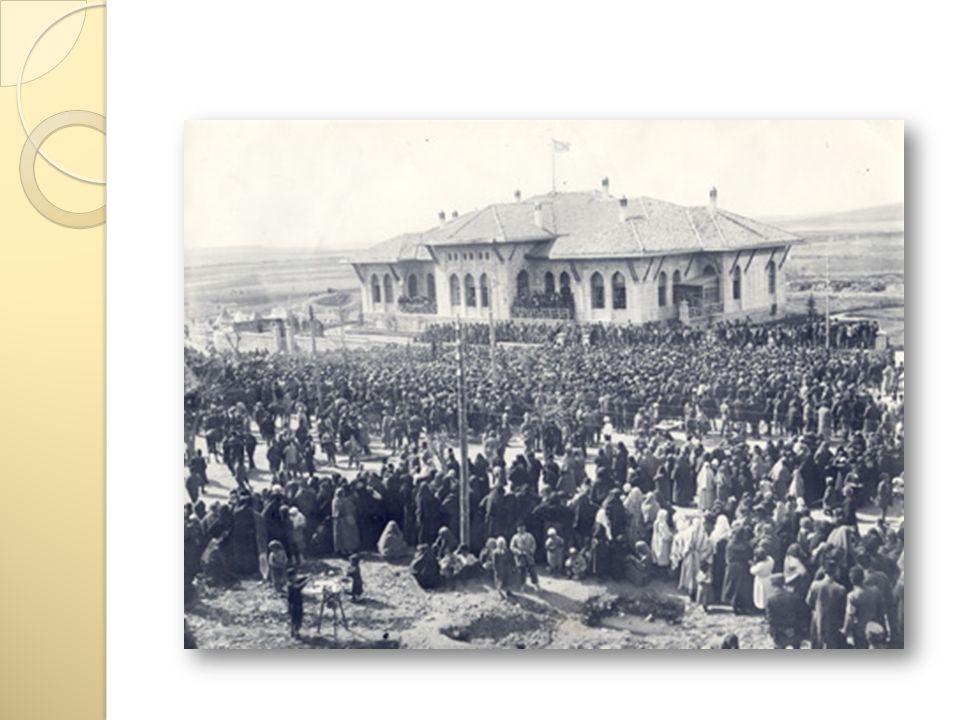 Saltanatın Kaldırılması (1 Kasım 1922) İ tilaf Devletleri Lozan Barış Konferansı na istanbul Hükümeti ni ve Ankara Hükümeti ni birlikte ça ğ ırdılar.