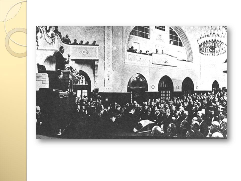Halife ğ in Kaldırılması (3 Mart 1924) Halifelik makamının, zamanla ulusçuluk ilkesine ters düşmesi üzerine, Cumhuriyet in ilanı ile, hem yeni Türkiye Cumhuriyeti nin dış politika ilkelerine, hem de yeni kurulan Cumhuriyet rejimine ters düşen bu makamın kaldırılmasına karar verildi.