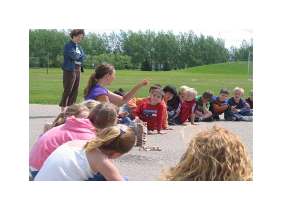 Çocuklar belirli etkinlikleri gerçekleştirmek için oyun alanlarına ve diğer açık alanlara gidebilirler.