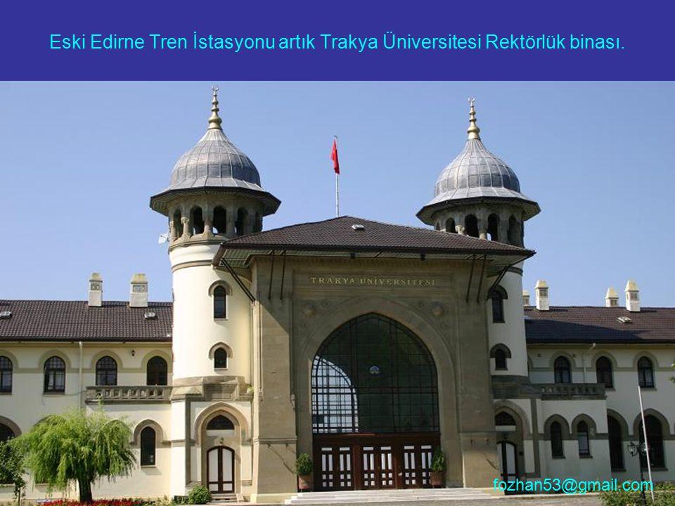 Hani yeni gelinler İstanbul'da Telli Baba'ya uğrarlar, evde kalmadıkları için adakları olmuştur.