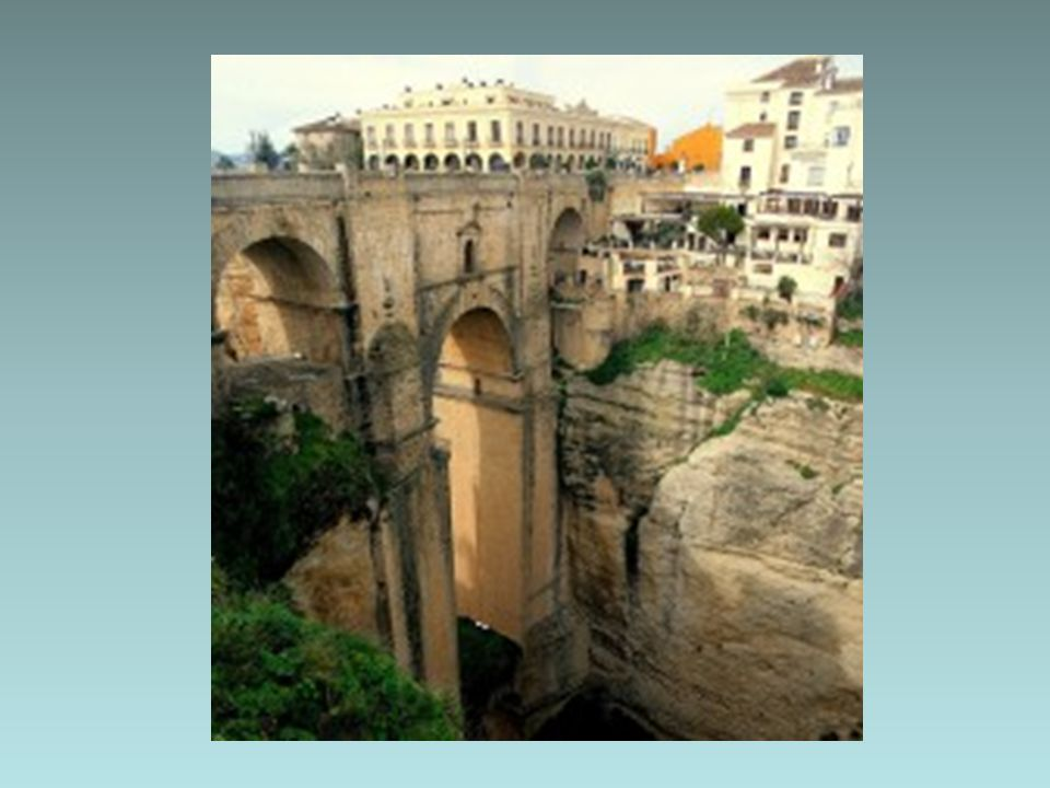 İÇ SAVAŞIN İZİNDE Ronda, İspanya'nın en eski kasabalarından biri, Mağribîlerin yarımadadan çekilirken İspanyollara en son teslim ettikleri kale, Hem İ