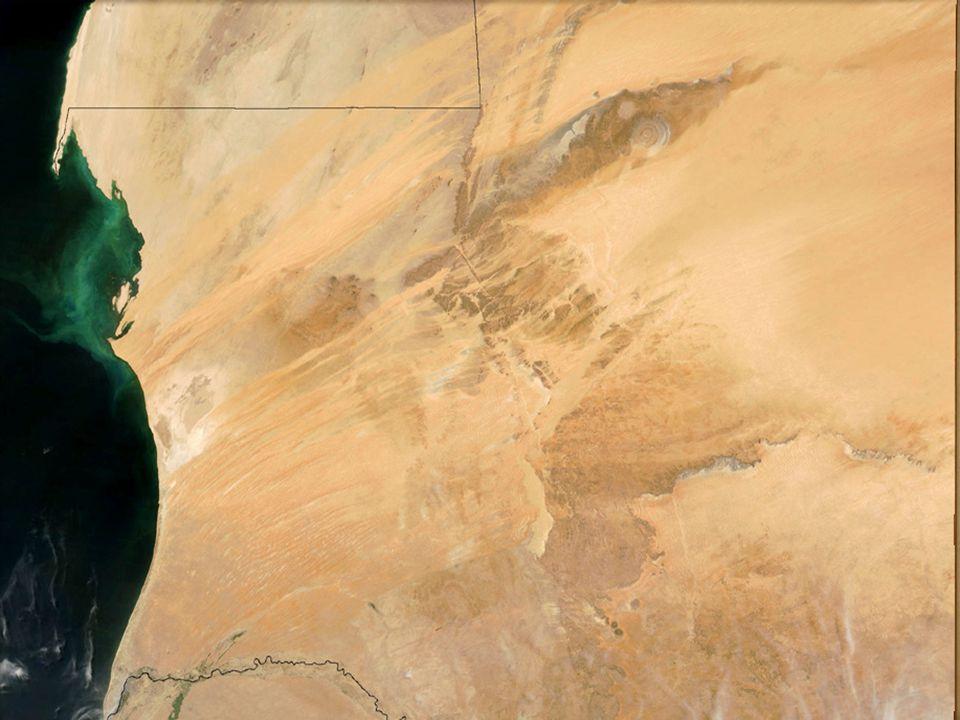 İKLİMİ Ülkenin doğusu Sahra'nın bir bölümü ile kaplı olduğu için çöl ikliminin etkisi görülür.