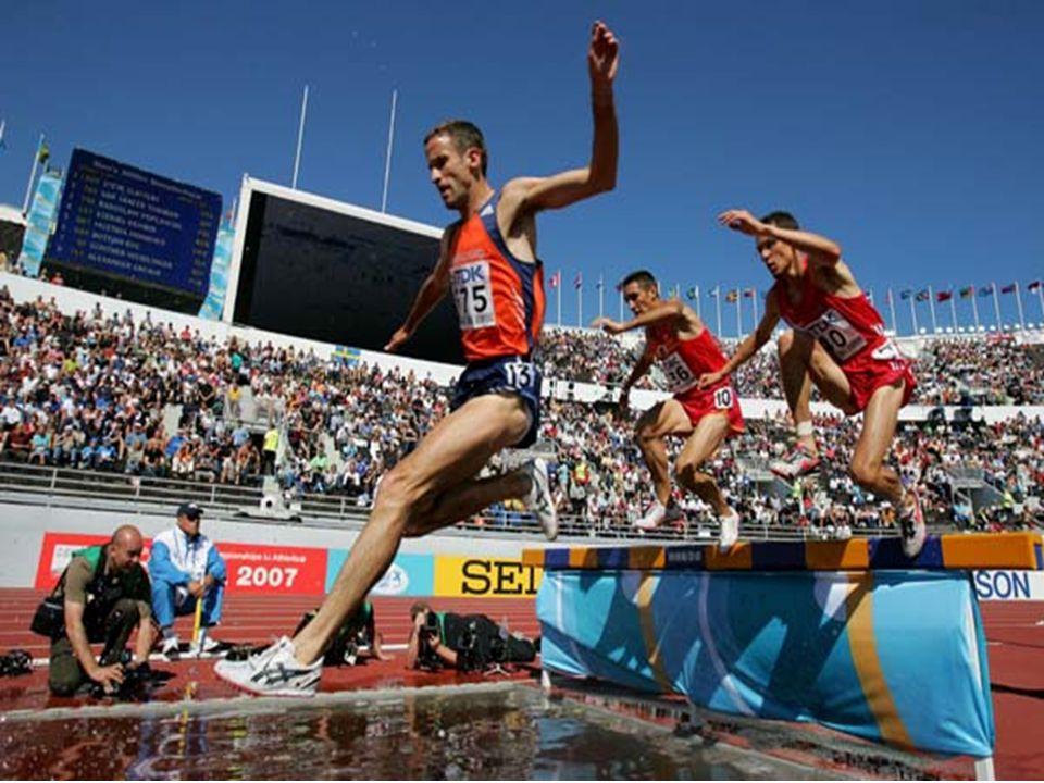 Yarışmacı, engelleri herhangi bir şekilde; üzerine basmadan veya basarak, eliyle tutunarak, hatta üstüne oturarak geçebilir.